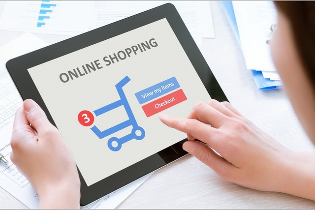 Mua hàng online đang nở rộ tại Việt Nam.