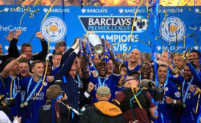 Leicester City bất ngờ lên ngôi vô địch giải NHA.