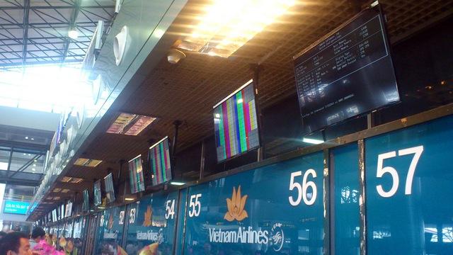 Hình ảnh màn hình tại sân bay Nội Bài - Ảnh: L.Q.K