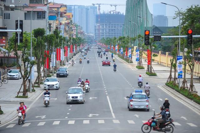 Tuyến đường Lê Trọng Tấn mở rộng được hoàn thành sau 110 ngày thi công, góp phần giải tỏa tình trạng ùn tắc giao thông tại khu vực này. (Ảnh: PV/Vietnam+)