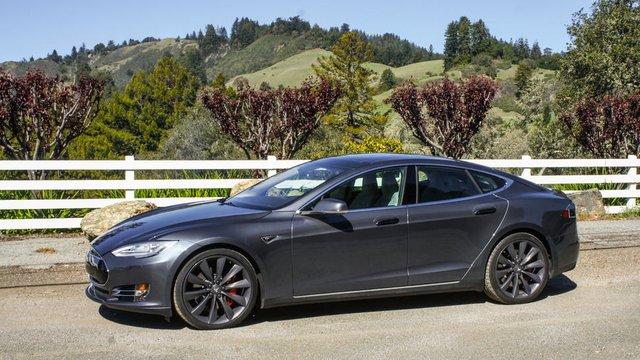Chiếc Model S đang rất thành công cũng là một nền tảng cho sự mở rộng sắp tới của Model 3.