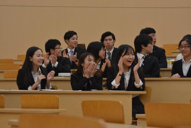 3 nữ du học sinh Việt xinh đẹp chiến thắng giải thưởng 1,5 triệu yên với ý tưởng khởi nghiệp trên đất Nhật - Ảnh 8.