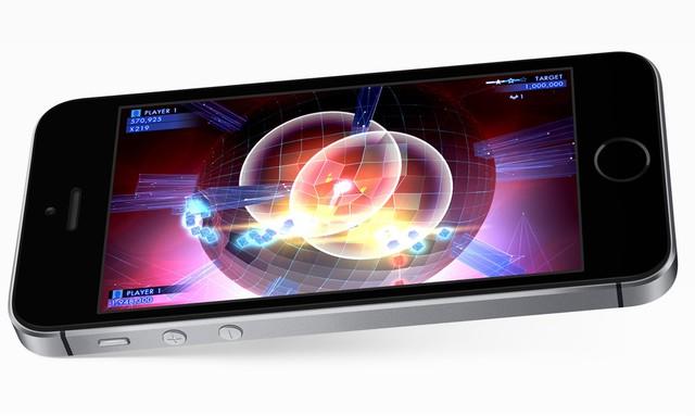 Chip A9 mang lại cho iPhone SE sức mạnh hàng đầu thị trường hiện nay.