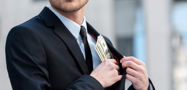 Top 10% những người giàu nhất ở Mỹ (những người có thu nhập hàng năm từ 120.000 USD trở lên) chiếm gần một nửa giá trị tiêu dùng ở đất nước này.