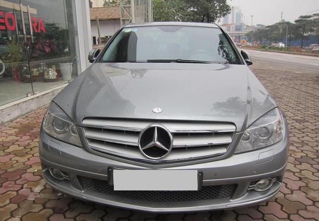 Một chiếc Mercedes-Benz C230 tại thị trường Việt Nam.