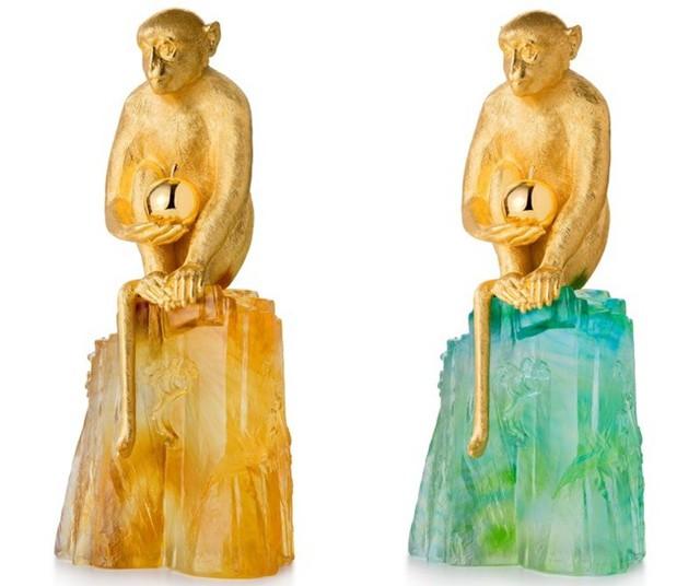 Giới hạn 99 bản cho mỗi mẫu Forest and Dawn và có giá 5.900 USD