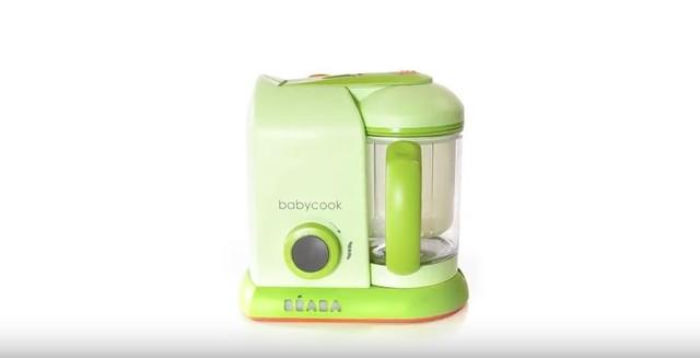 Mang tên Beaba baby cook, sản phẩm có thể hấp, nấu, xay, rã đông, làm nóng hoa quả, đồ ăn, rau củ và thịt trong vòng 15 phút hoặc ít hơn. Chiếc máy này cũng làm nhuyễn thức ăn tới mức siêu mịn và đi kèm với một quyển công thức nấu ăn đầy đủ. Ngoài ra sản phẩm chống nước hoàn toàn nên có thể tẩy rửa cực kỳ nhanh chóng kể cả trong máy rửa bát.