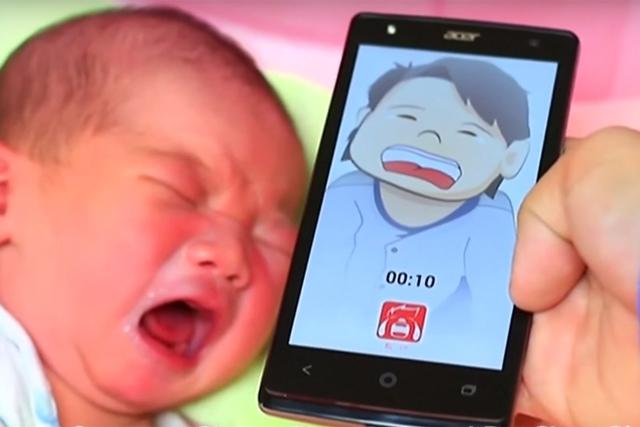 Ứng dụng mang tên Infant Cries Translator – Máy phiên dịch tiếng khóc trẻ sơ sinh sẽ giúp bạn hiểu được 4 kiểu khóc khác nhau của bé bao gồm: khóc vì đói, khóc vì buồn ngủ, khóc vì đau và cuối cùng là vì ướt bỉm. Nhà phát triển tự nhận rằng sản phẩm này chính xác tới 92% với các bé dưới 2 tuần tuổi nhưng sẽ mất đi độ chính xác theo thời gian. Mặc dù thế, độ chính xác vẫn lên đến 77% khi bé 4 tháng tuổi. Có giá chỉ 2.99 USD, có thể nói ứng dụng này hết sức hữu dụng với các bậc phụ huynh và đã nhận được hàng nghìn lượt tải mỗi ngày.