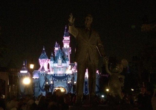 """Tòa lâu đài trong """"Người đẹp ngủ trong rừng"""" đã trở thành công cụ quảng cáo của Disney"""