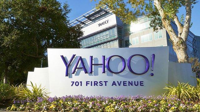 Từ một ông lớn, Yahoo hiện đã đang bên bờ vực sụp đổ với việc chuẩn bị bán đi mảng kinh doanh trực tuyến của mình.