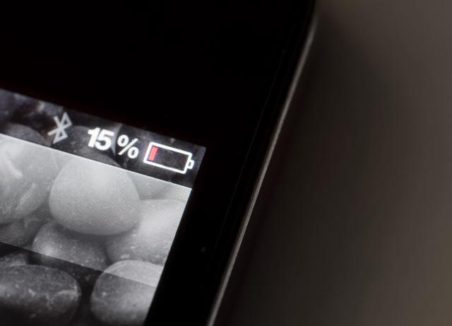 Việc để pin tụt quá thấp sẽ gây hại tới tuổi thọ của pin.