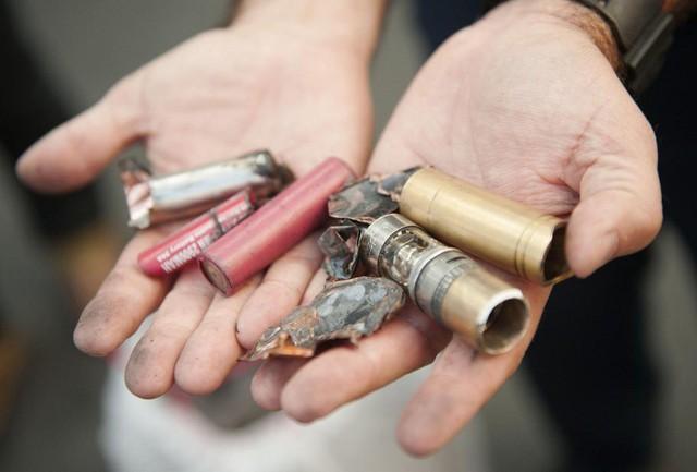 Nhiều người cho rằng sử dụng thuốc lá điện tử có thể giúp cai thuốc lá thật, hiệu quả đâu chưa thấy nhưng những tai nạn liên quan tới VAPE như nổ điếu thuốc đã xảy ra khá nhiều.