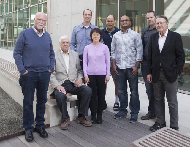 Đội nghiên cứu của Craig Venter.