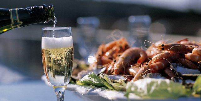 """Kết quả hình ảnh cho champagne và món ăn"""""""