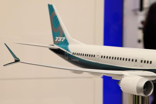 Đầu cánh 737 MAX với thiết kế split tip.