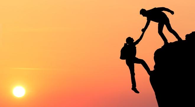 Người chân thành và nhiệt tình dễ đạt được thiện cảm hơn những người chỉ đơn thuần giỏi chuyên môn.