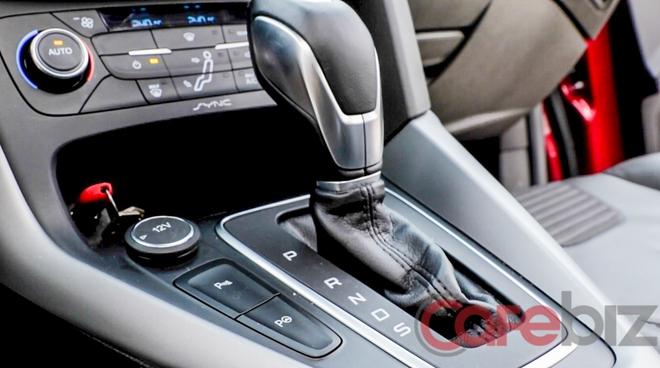 Đỗ xe tự động - một tính năng cao cấp mà Ford đưa lên Focus EcoBoost.