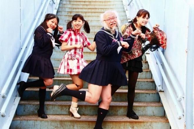 Luôn hạnh phúc, sống cuộc sống không căng thẳng khiến tuổi thọ người Nhật dài hơn.