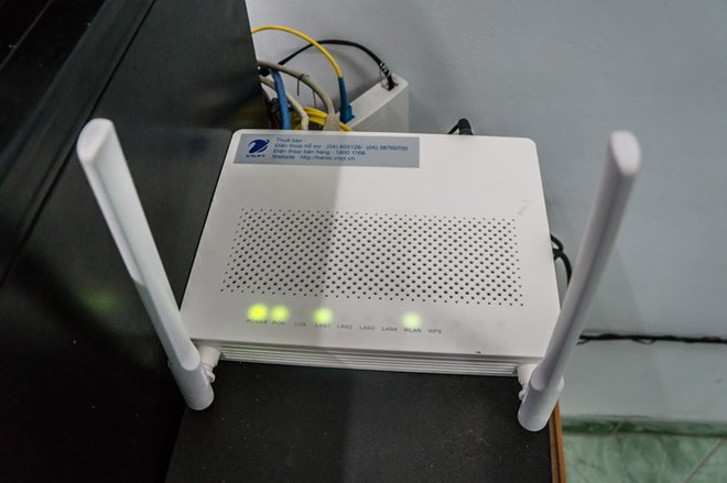 Có tới 300.000 router ở Việt Nam đang có lỗ hổng. Và đáng chú ý là, hơn 90% các router có lỗ hổng được sản xuất tại Trung Quốc. Trong khi các nhà mạng, hệ thống mạng của Việt Nam sử dụng các thiết bị router (kể cả thiết bị tự lắp ráp) có nguồn gốc Trung Quốc rất nhiều.