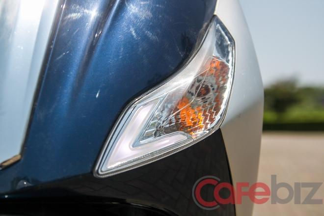 Đèn định vị sử dụng công nghệ LED, có thể sử dụng như đèn chiếu sáng ban ngày DRL.