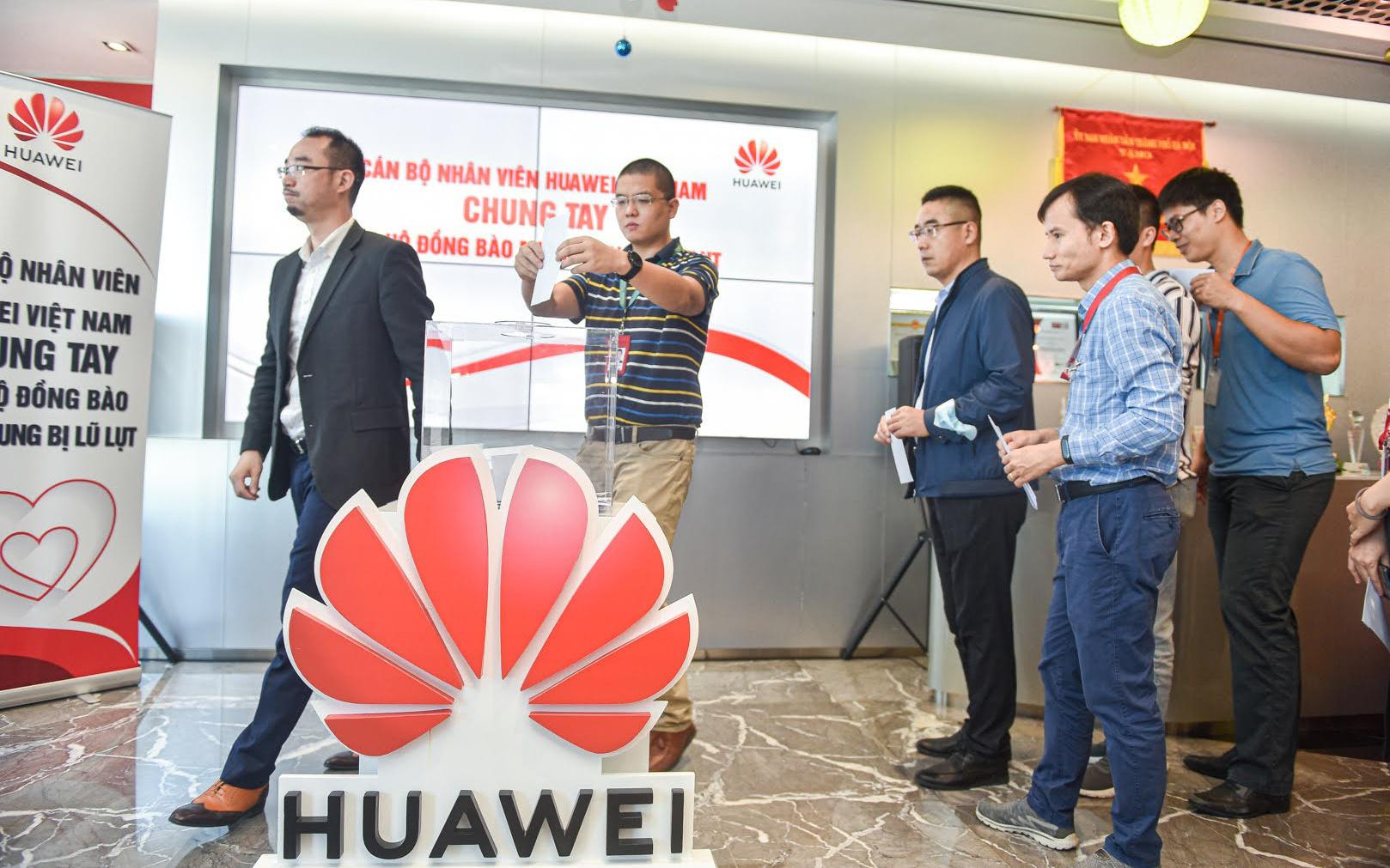 Huawei Việt Nam chung tay ủng hộ đồng bào miền Trung 1 tỷ đồng