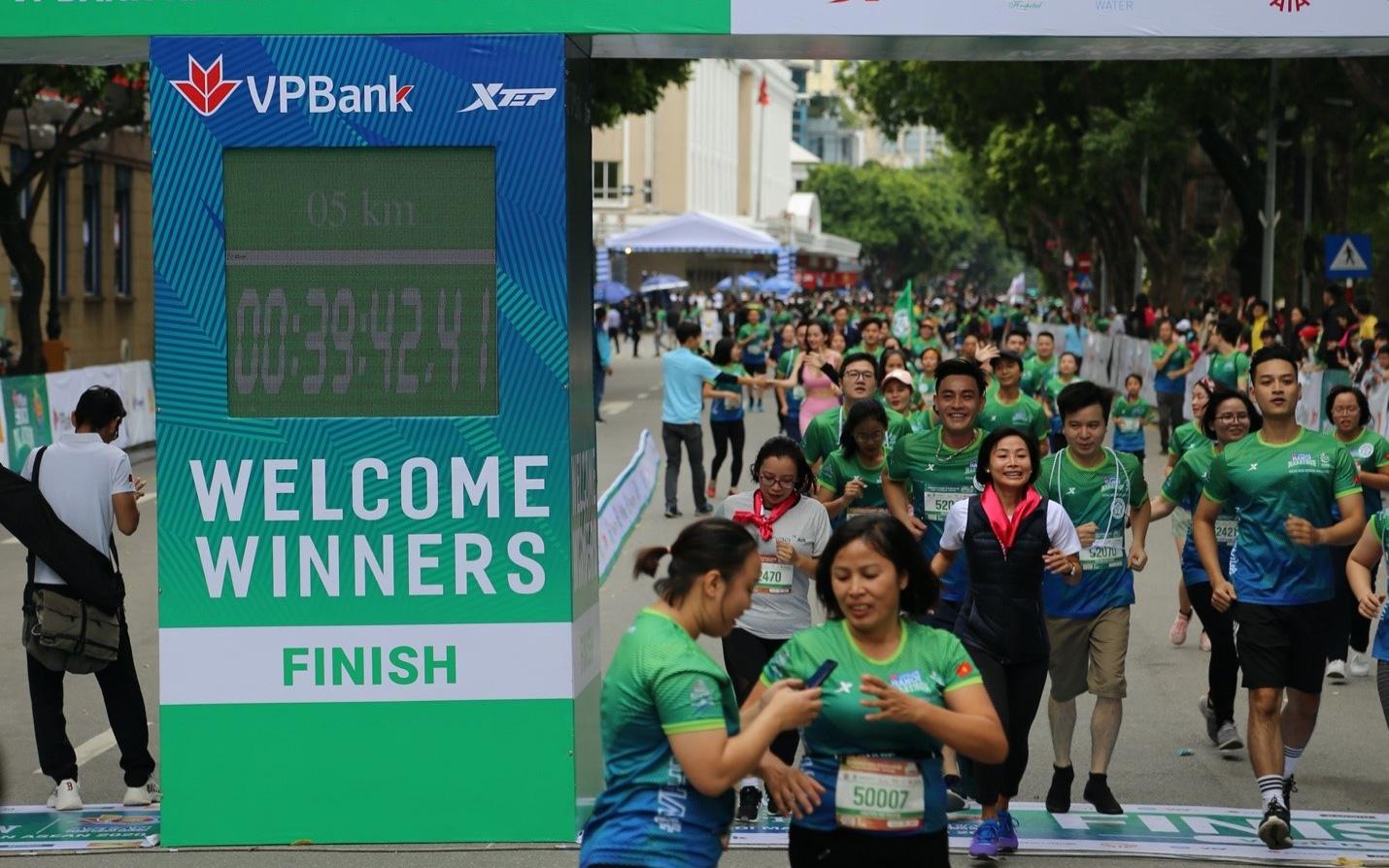 AIA Việt Nam và VPBank: Khách hàng là trọng tâm trên 'đường đua Bancassurance'