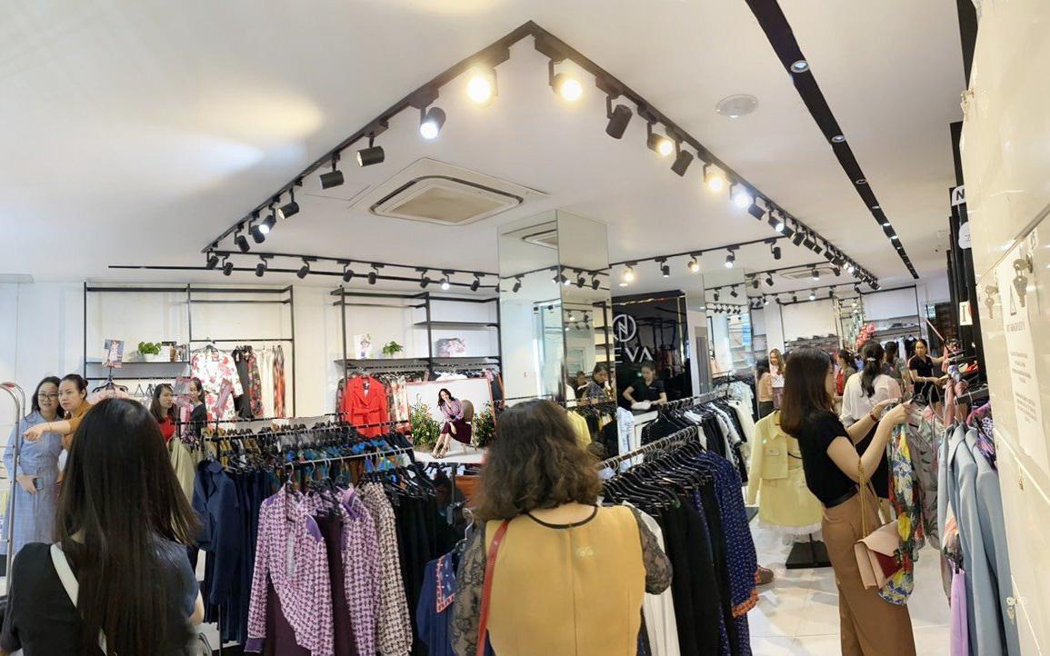 """Thời trang NEVA – """"Người mở đường"""" phong cách mới cho thời trang Việt"""