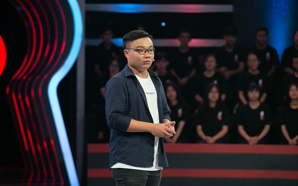 """Hết mang nhà, sếp Thành Thắng lợi Group đem """"mỹ nhân kế"""" chiêu dụ chàng Thủ khoa Cao đẳng FPT"""