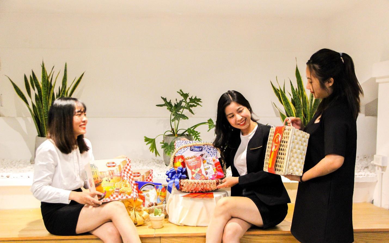 Độc đáo giỏ quà tết được thiết kế riêng cho từng doanh nghiệp