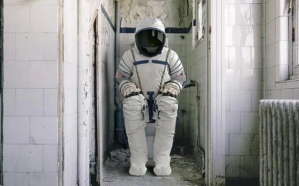 Sau hơn 60 năm, cuối cùng thì NASA cũng làm được một cái toilet nữ ngoài vũ trụ