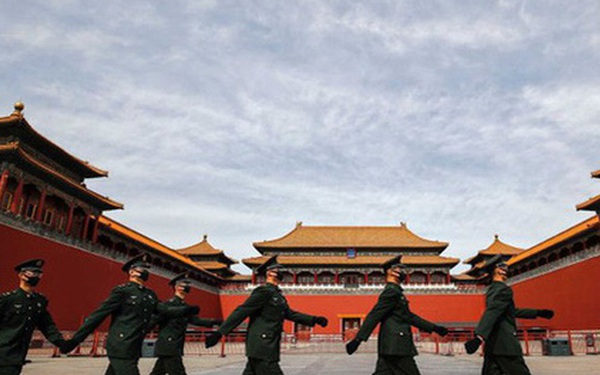 """Báo Australia: Vấp phải rào cản lớn nhất do chính Bắc Kinh tự đề ra, TQ sẽ """"già trước khi giàu"""""""