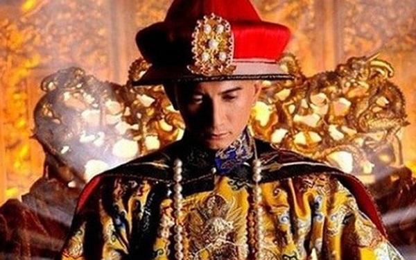Ngồi trên ngai vàng lâu nhất lịch sử Trung Quốc, trước khi chết Khang Hi còn làm 1 việc khiến đại thần tái xanh mặt mũi