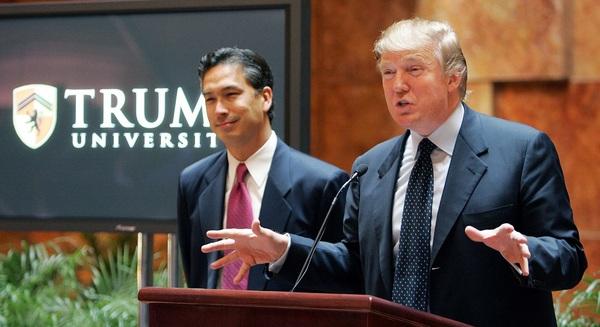 Trump University - cú lừa thế kỷ: Bỏ 35.000 USD để xem Trump… qua màn hình, sớm phải đóng cửa trường vì bị kiện khắp nơi