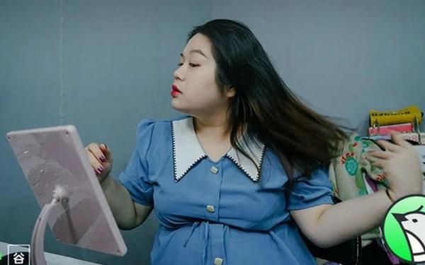 Từ nàng béo bị cười chê đến người mẫu ngoại cỡ: Thu nhập 35 triệu đồng/tháng, ngày nghỉ không muốn mở miệng nói chuyện