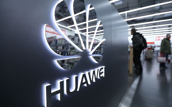 """Từng ở """"ngôi vương"""", thị phần smartphone toàn cầu của Huawei có thể sụt còn 4%"""