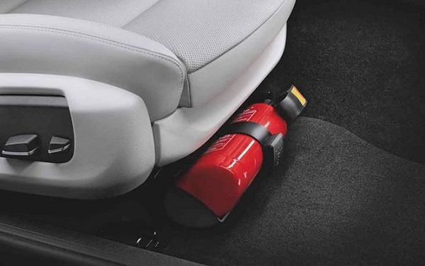 Chính thức bỏ quy định ôtô 4 chỗ phải lắp bình chữa cháy