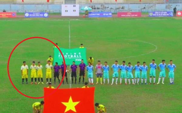Đội bóng Việt chỉ mang 4 cầu thủ đến sân, trọng tài buộc lòng phải cho hủy trận đấu