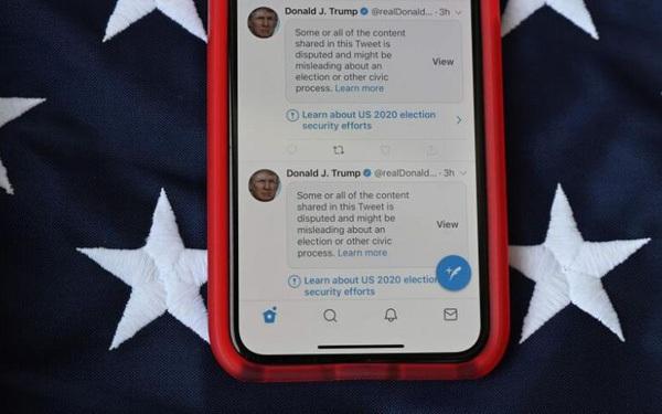 Tài khoản Twitter của ông Donald Trump bị tước bỏ mọi đặc quyền