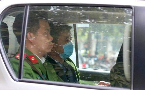 Ông Nguyễn Đức Chung xin lỗi vì làm mất niềm tin của nhân dân