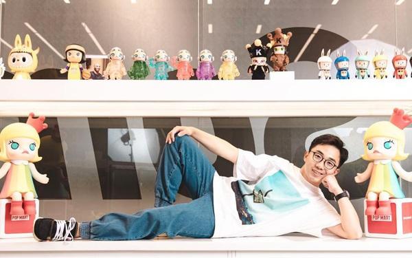 Trở thành tỷ phú đôla ở tuổi 33 nhờ bán hộp đồ chơi bí mật