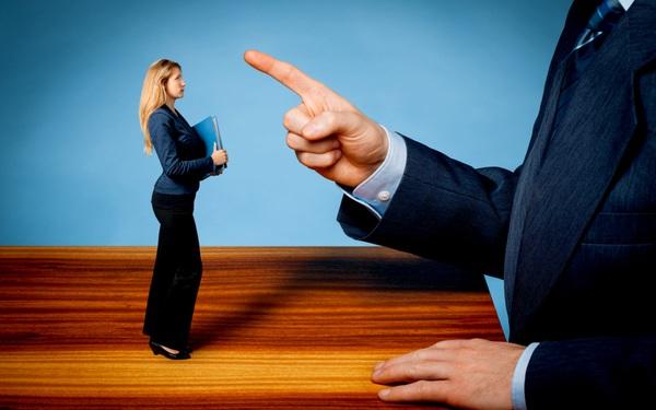 """Sách lược phê bình giúp nhân viên """"thuận tai dễ nghe"""""""