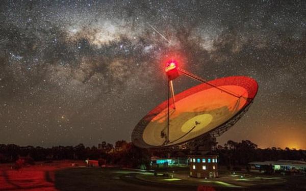Phát hiện tín hiệu bí ẩn phát ra từ ngôi sao ngay sát Hệ Mặt Trời, có thể là của người ngoài hành tinh
