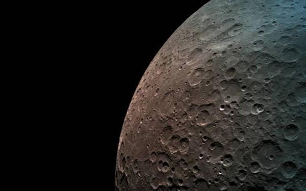 NASA trả cho công ty này đúng...1 USD để thu thập đá từ mặt trăng