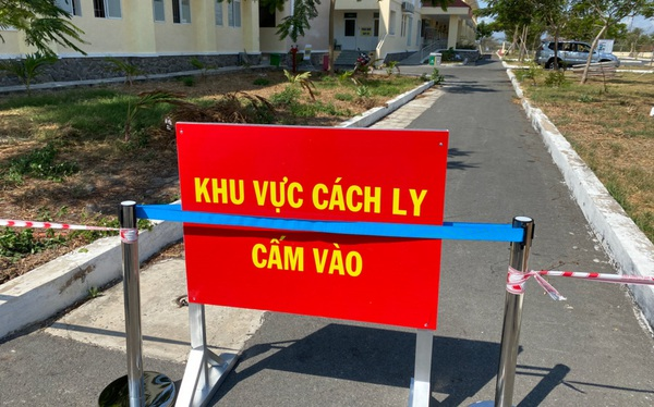 Cách ly 53 cán bộ nhân viên bệnh viện huyện Bình Chánh đi đám tang