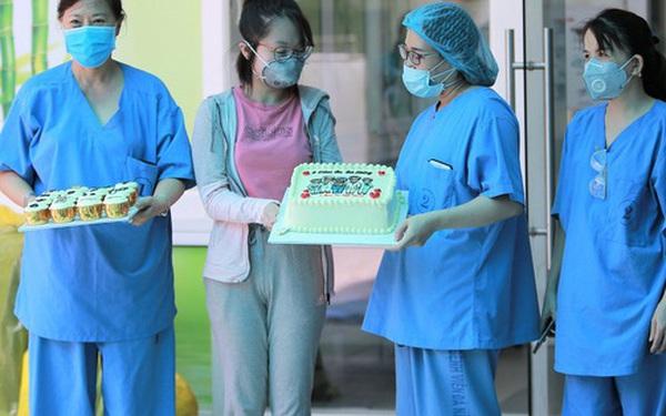 """Bệnh nhân Covid-19 cuối cùng ở Đà Nẵng khỏi bệnh: """"Tôi rất cảm động vì sự chu đáo của các y bác sĩ"""""""