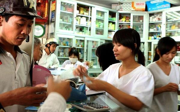 TPHCM sẽ giám sát các trường hợp tự mua thuốc cảm, sốt