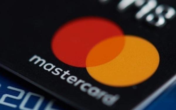Doanh số sụt mạnh, đại diện các ngân hàng Việt Nam kiến nghị Visa và MasterCard miễn, giảm nhiều loại phí