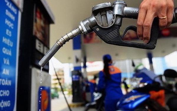 Giá xăng tăng mạnh hơn 600 đồng/lít kể từ 15 giờ chiều nay