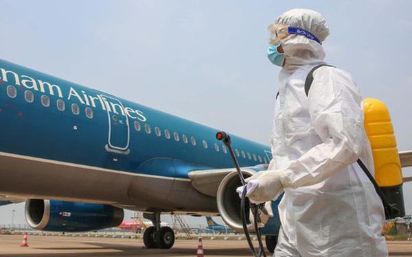 Khả năng cao 2 tiếp viên hãng Vietnam Airlines bị lây Covid-19 trong quá trình vận chuyển hành khách từ Nga về Việt Nam
