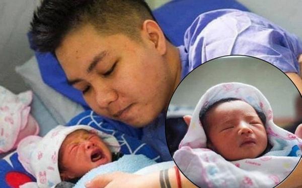 """""""Người đàn ông Việt Nam đầu tiên mang bầu"""" đã lâm bồn, hình ảnh cực dễ thương của em bé đặc biệt khiến dân mạng xuýt xoa"""